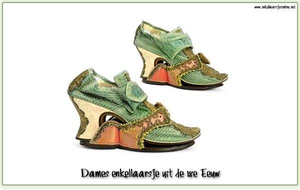 Waar komt de liefde van vrouwen voor schoenen en laarzen toch vandaan?